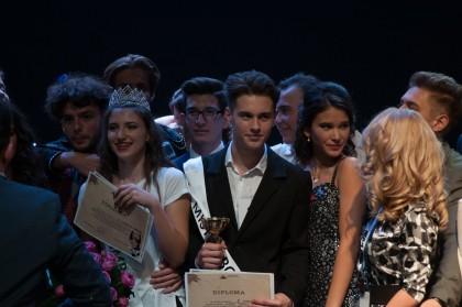 """Colegiul Național """"Moise Nicoară"""" a încheiat, în week-end, evenimentul """"Balul Bobocilor"""" din acest an (GALERIE FOTO)"""