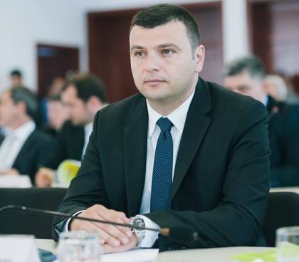 """Sergiu Bîlcea: """"Documentaţia pentru cele trei drumuri judeţene cuprinse în PNDL a fost transmisă la timp Guvernului"""""""