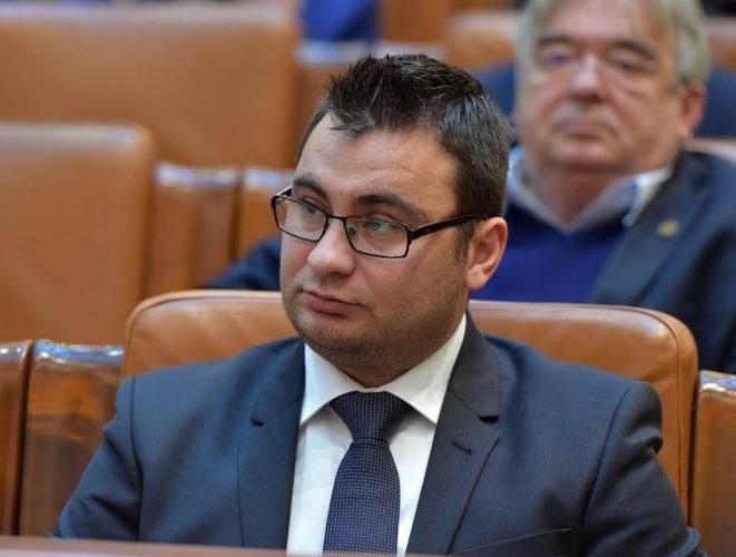 Deputatul Glad Varga: Nici un parlamentar liberal arădean nu a votat împotriva amendamentelor PSD care vizau județul nostru