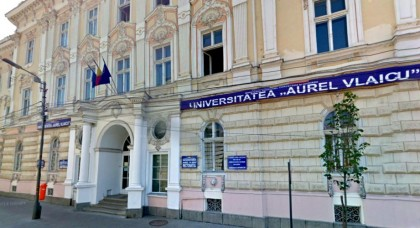 """O nouă sesiune de admitere la Universitatea """"Aurel Vlaicu"""" din Arad"""
