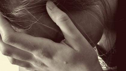 O elevă a fost DESPĂGUBITĂ cu MILIOANE de DOLARI după ce PROFESOARA nu i-a permis să meargă la toaletă în timpul orei