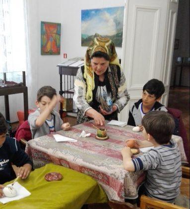 Tradiții românești, ateliere pentru copii și expoziții, cu ocazia Sărbătorilor Pascale