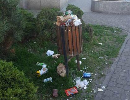 """Primăria a """"rezolvat"""" TEMPORAR problema curățeniei stradale în Arad"""
