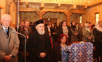 """Vizită Pastorală şi Sfinţire de Cruce, în cadrul Bisericii Ortodoxe din Campusul Universitar """"Vasile Goldiş"""" (GALERIE FOTO)"""
