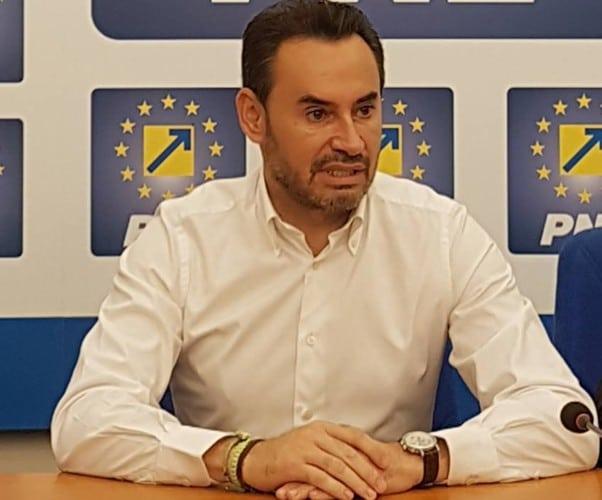 """Pesediştii, mulţumiţi de locul lui Falcă pe lista pentru europarlamentare: """"Are o şansă!"""" Cu o condiţie…"""