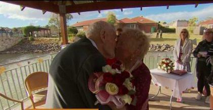 """Îndrăgostiți ca la prima tinerețe! O femeie a spus """"DA"""" la 93 de ani"""