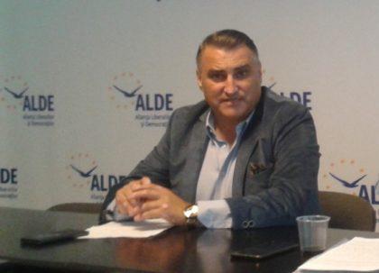"""Florin Galiș, președintele ALDE Arad: """"Nu abdicăm de la ideile noastre"""""""