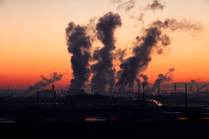PLANUL CLIMATIC a fost DEZVĂLUIT! Zeci de reactoare NUCLEARE vor fi închise, vânzarea de automobile DIESEL şi BENZINĂ va fi INTERZISĂ, iar CĂRBUNELE va DISPĂREA