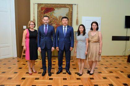 Un parlamentar din Mongolia, în vizită la Primăria Arad