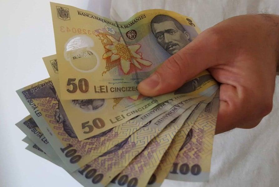 Vești bune, CRESC salariile! Cine sunt românii care se vor bucura de MAI MULȚI BANI