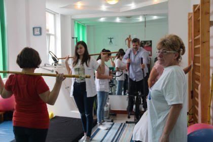 Studenţii medicinişti de la specializarea Balneo-fizio-kinetoterapie din cadrul UVVG, în practică la Centrul de recuperare Neoklinik din Moneasa
