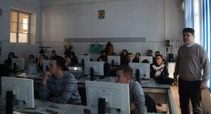 """Investigarea tehnico – științifică a locului faptei, prezentată elevilor de la Colegiul Tehnic """"Aurel Vlaicu"""" (FOTO)"""