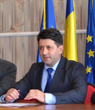 """Petru Antal: """"Toți cetățenii județului Arad, indiferent de simpatia lor politică, vor avea de suferit anul viitor"""""""