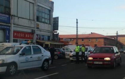 Poliţie vs. TAXI, pe Calea Radnei. CE s-a ÎNTÂMPLAT