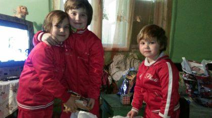 """Șase sute de familii sprijinite în cadrul campaniei umanitare """"Trăiește Magia Crăciunului, dăruind"""""""