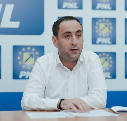 """Lucian Riviș-Tipei: """"Seria premierilor PSD devine din ce în ce mai jalnică"""""""
