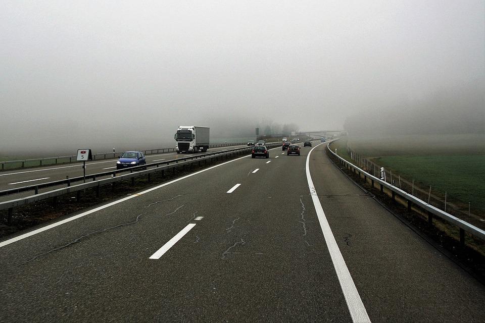CARAMBOL pe autostradă, în țara vecină! Cel puțin ȘASE MORȚI și ZECI de RĂNIȚI