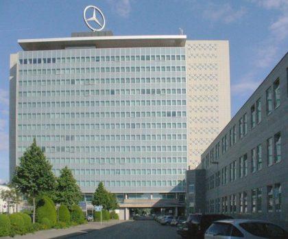 Daimler intră pe mâna chinezilor, care vor şi mai multe automobile electrice