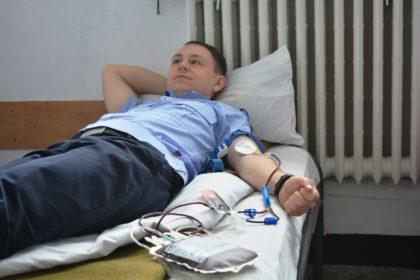 Acţiune sângeroasă la Jandarmerie: Au curs zeci de litri de sânge