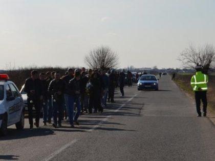 PROTEST/ Arădenii vor să BLOCHEZE două drumuri judeţene, din cauza gropilor
