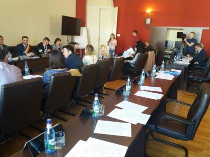 """Problema salubrizării a fost rezolvată """"de îndată"""". Grupul PSD-ALDE a lipsit de la ambele ședințe ale CLM"""
