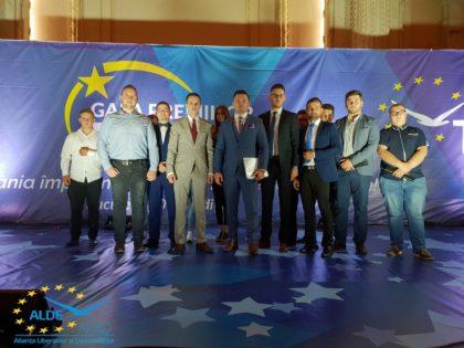 Echipa tinerilor ALDE, prezentă la Gala Premiilor TLDE la București (FOTO)