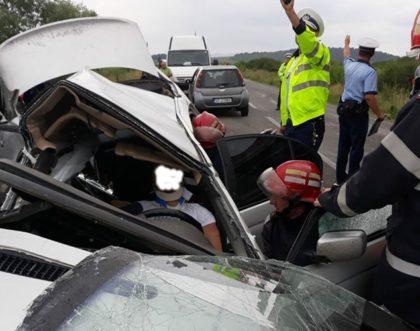 PRĂPĂD pe drumul Arad – Moneasa! ACCIDENT cu CINCI VICTIME (UPDATE: Un tânăr de 27 de ani a MURIT)
