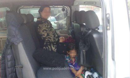 O femeie de etnie rromă a încercat să-și scoată ilegal fetița din țară, ascunzând-o sub fustă