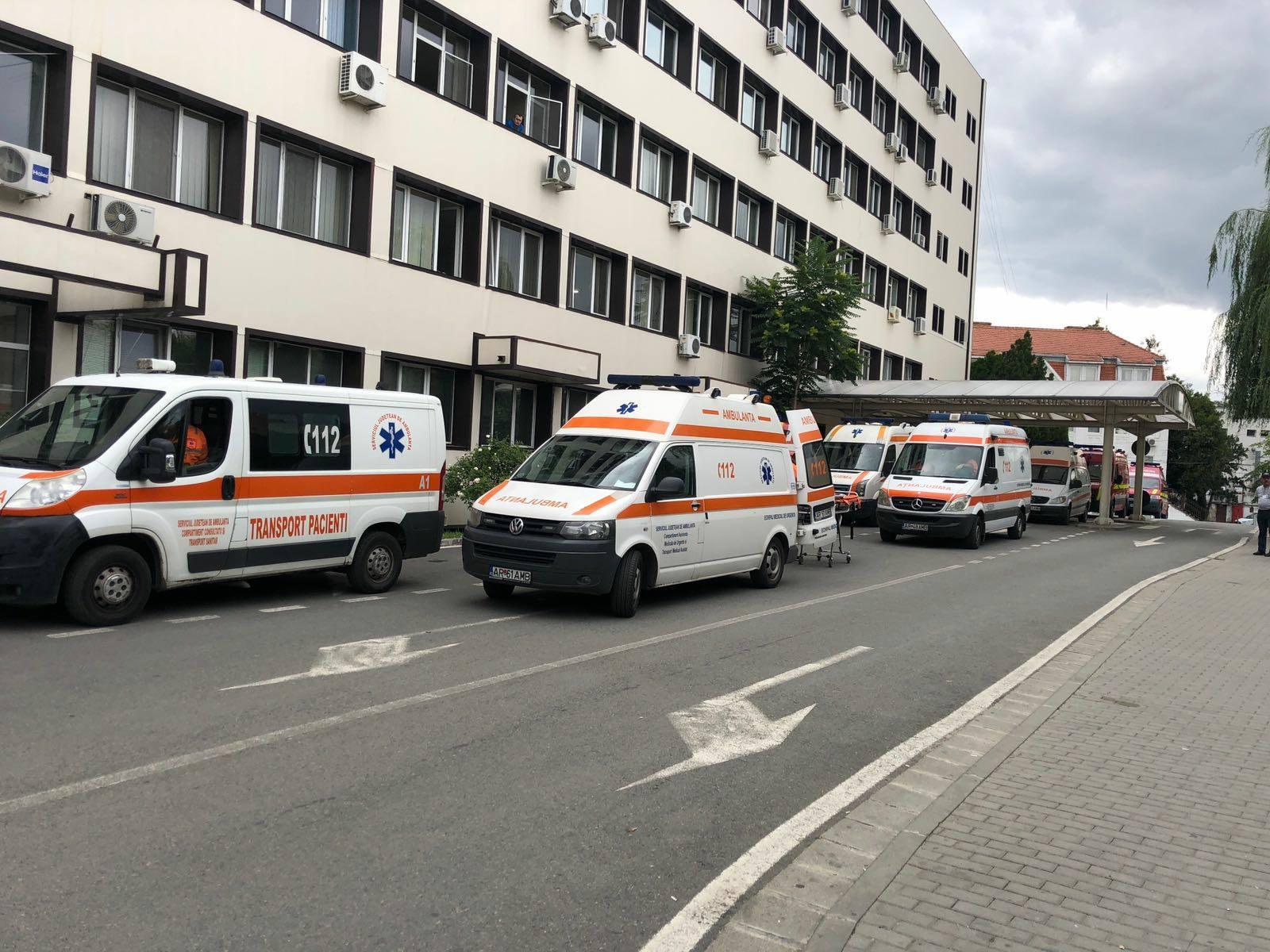CORONAVIRUS. Numărul cazurilor EXPLODEAZĂ la Arad! Autorităţile se pregătesc de un SCENARIU de GROAZĂ