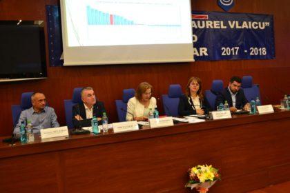 """Europarlamentarul Maria Grapini, la Universitatea """"Aurel Vlaicu"""" din Arad"""