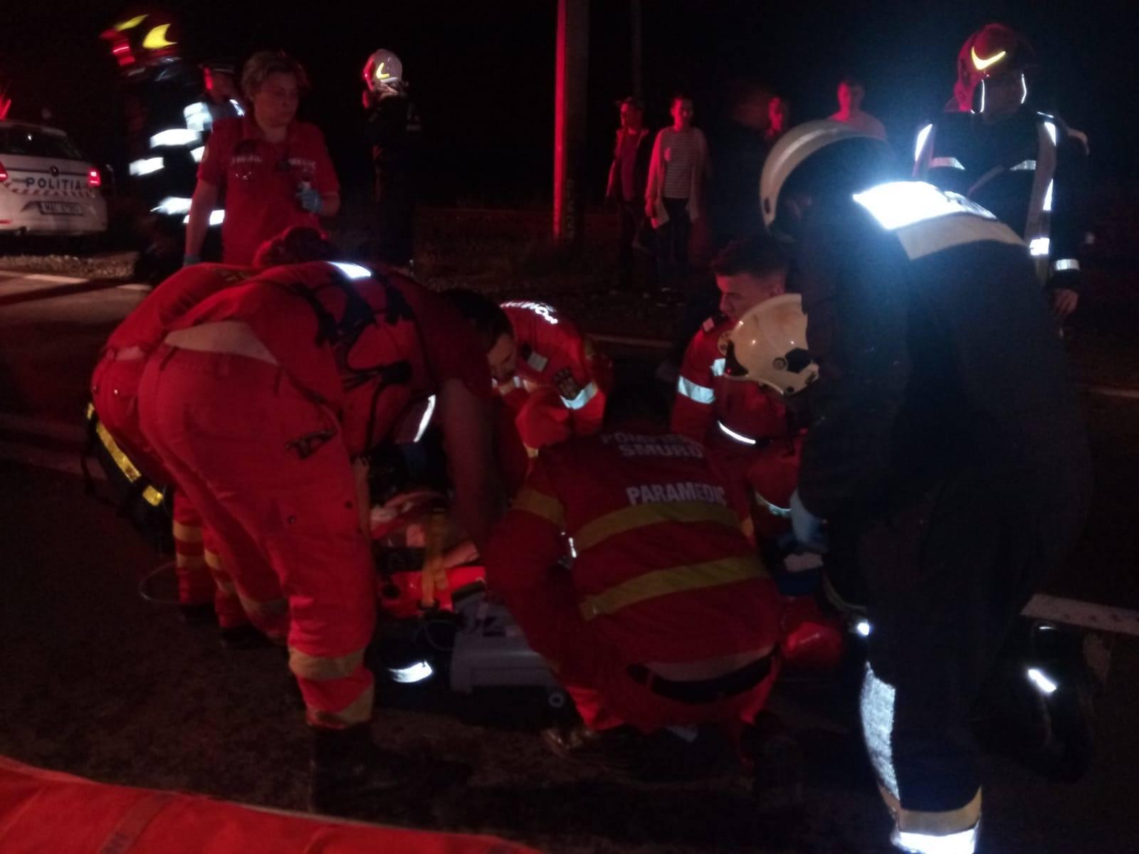 ACCIDENT ÎNGROZITOR pe Autostrada Arad – Timișoara! ȘAPTE VICTIME, dintre care DOUĂ DECEDATE (UPDATE + FOTO și VIDEO)