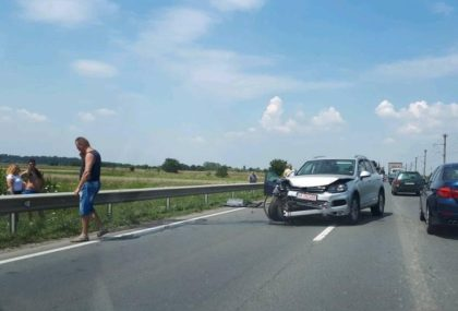 NEWS ALERT/ ACCIDENT pe DN7, lângă Arad. Circulaţia, BLOCATĂ (FOTO)