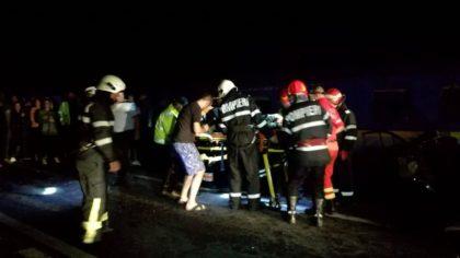 PLAN ROŞU de INTERVENŢIE: Accident între două microbuze în care se aflau 27 de persoane
