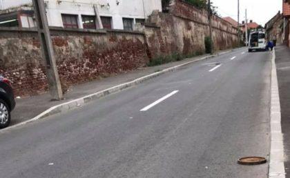 ATENȚIE ȘOFERI! PERICOL pe o stradă din Aradul Nou