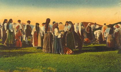 """Exponatul lunii iulie la Complexul Muzeal Arad: Albumul """"Ținutul Hălmagiului"""""""