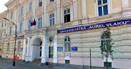 """Au început înscrierile la Universitatea """"Aurel Vlaicu"""" din Arad"""