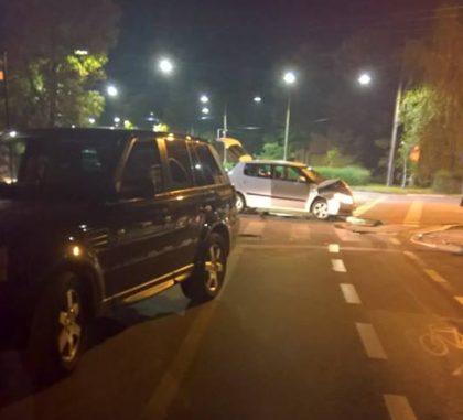 Noapte NEAGRĂ pe șoselele din Arad, cu două ACCIDENTE GRAVE! (FOTO)