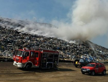UPDATE/ Incendiu la groapa de gunoi a Aradului (FOTO + VIDEO)