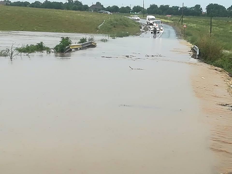 Peste două milioane de lei pentru refacerea infrastructurii afectate de inundații