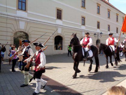 Ce le oferă orașul de pe Mureș turiștilor. Și nu, nu este vorba despre Arad (GALERIE FOTO)