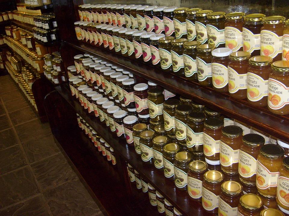 Gemuri și dulcețuri cu coloranți din GÂNDACI, multe CHIMICALE și urme de fructe, pe rafturile supermarketurilor