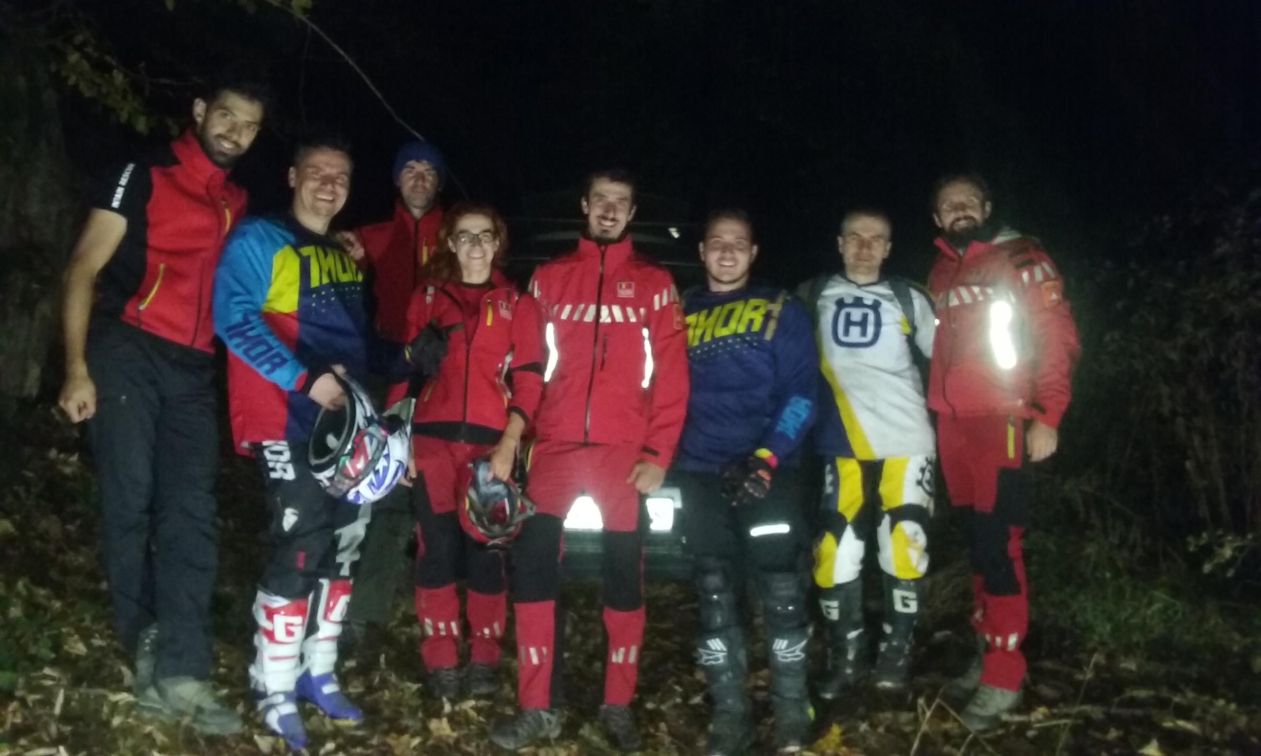 SALVAMONTIȘTII care i-au GĂSIT pe cei trei motocicliști RĂTĂCIȚI într-o pădure trag un SEMNAL de ALARMĂ