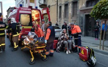 INCENDIU în centrul Aradului! Trei VICTIME, transportate la spital (FOTO + VIDEO)
