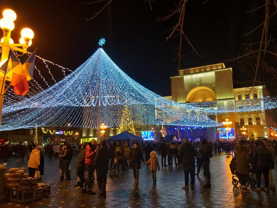 De ce merită să vizitezi Târgul de Crăciun de la Timișoara (GALERIE FOTO)