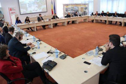 Aradul a propus un calendar comun de evenimente culturale la nivel euroregional