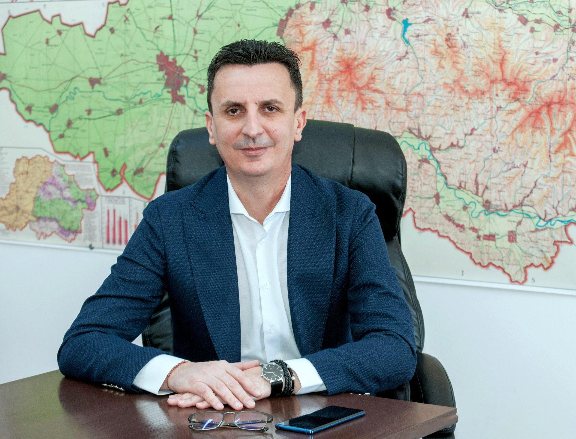 """Florin Tripa: """"Marinel Cionca își face imagine cu realizările guvernului pe care îl înjură zi de zi"""""""
