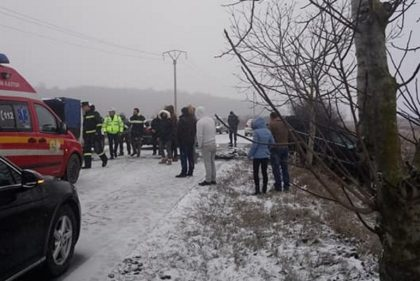 NEWS ALERT/ Accident la Moara cu Noroc: Două maşini implicate, cu ŞASE PERSOANE la bord