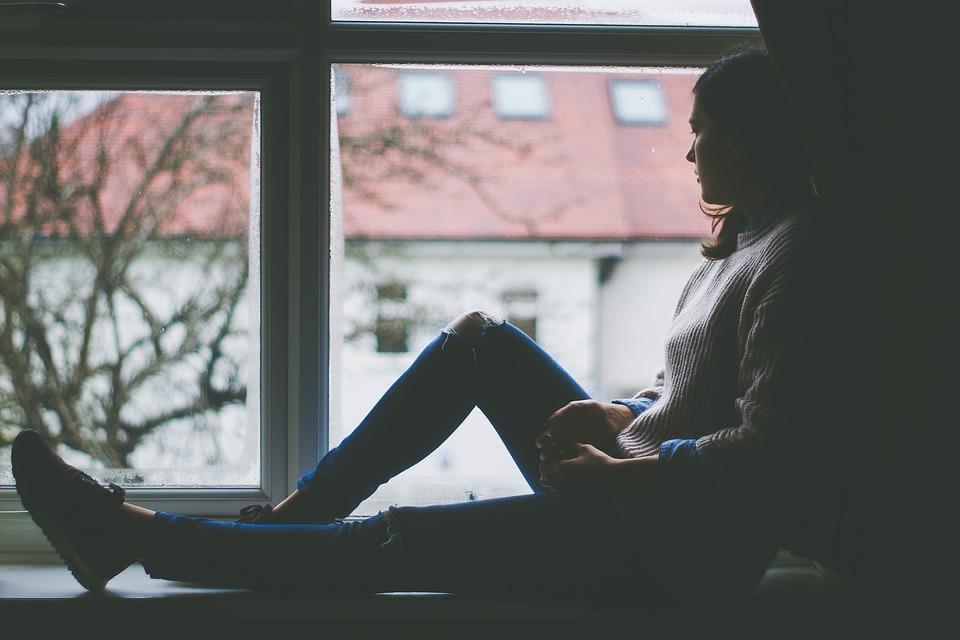 De ce ne trăim viața în neliniște și ce putem face pentru a fi fericiți