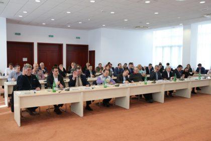 Consilierii județeni au votat sumele pentru beneficiarii din centrele DGASPC Arad