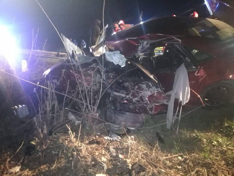 ACCIDENT GRAV pe drumul Arad – Oradea! Un bărbat de 22 de ani a DECEDAT în sâmbăta Floriilor (FOTO)